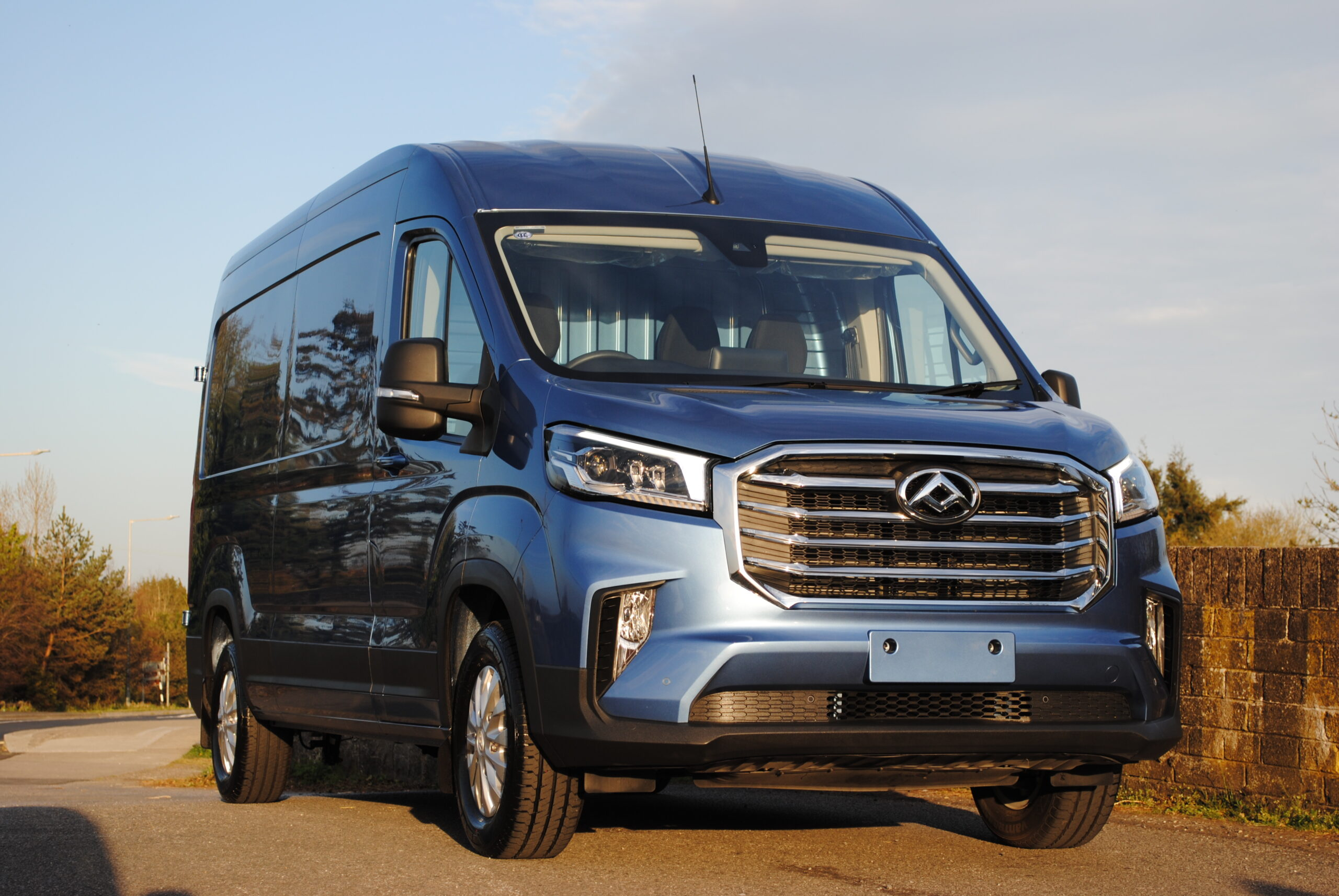 Maxus Deliver 9 - Luxury spec - front view
