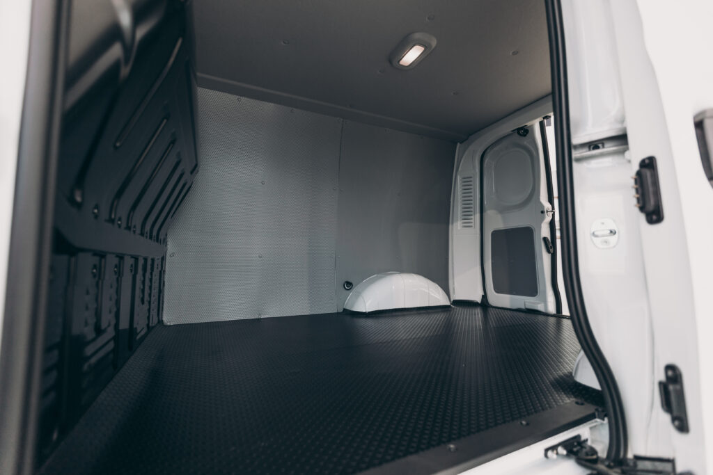 8 tie down points in cargo area